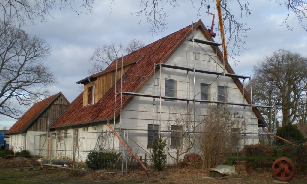 Heuerlingshaus: Dacharbeiten erledigt