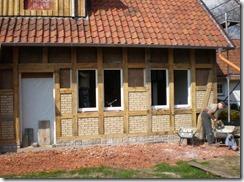 Heuerlingshaus: Einbau der Fenster